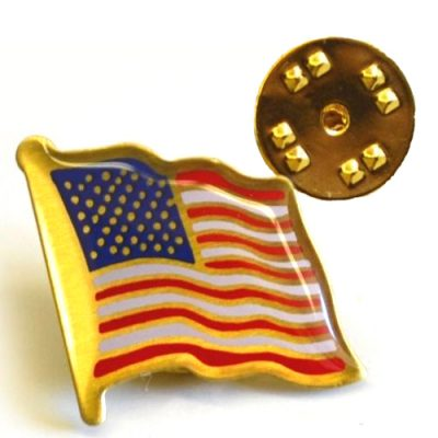 Deluxe U.S. Waving Flag Pin